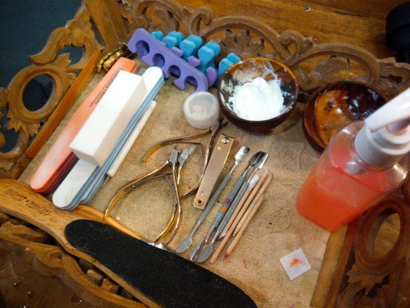 バリ島チャングーネイルサロン、ネイルケア道具