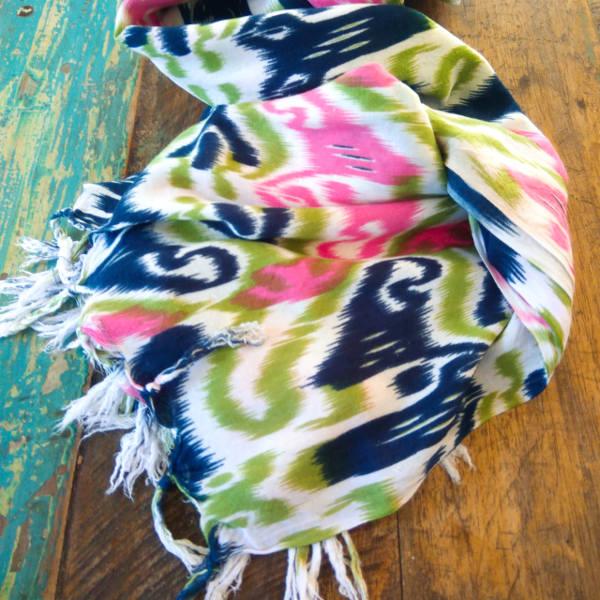 Sarong Ikat print green & pink