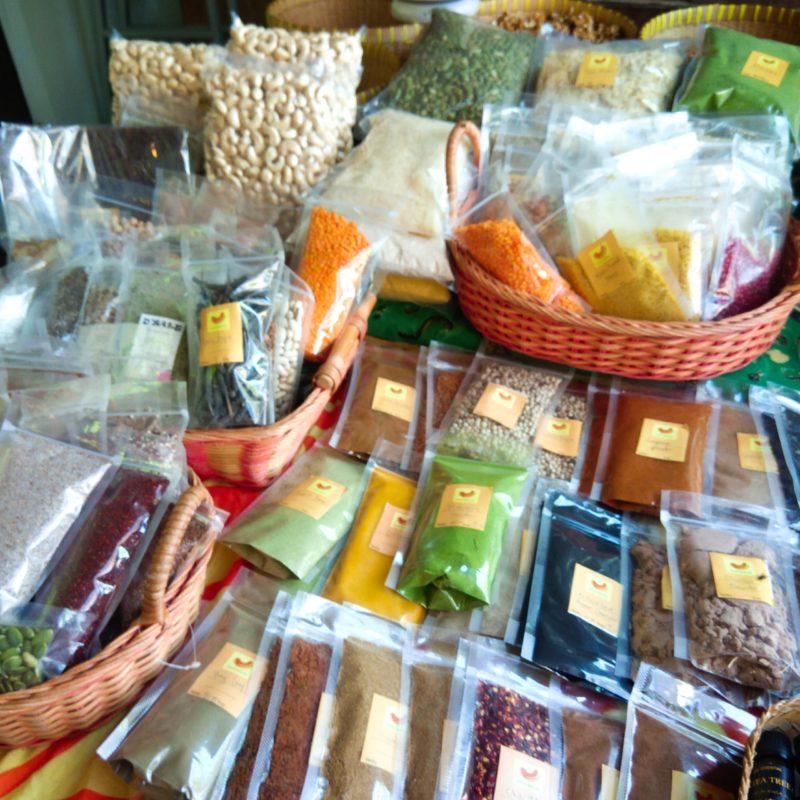バリ島チャングーSamadiオーガニックサンデーマーケット、スパイス