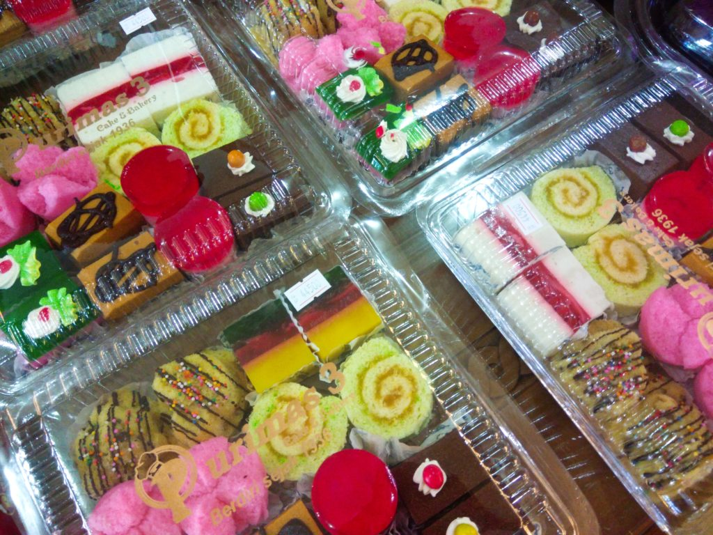 バリ島ローカルスイーツ、セットケーキ