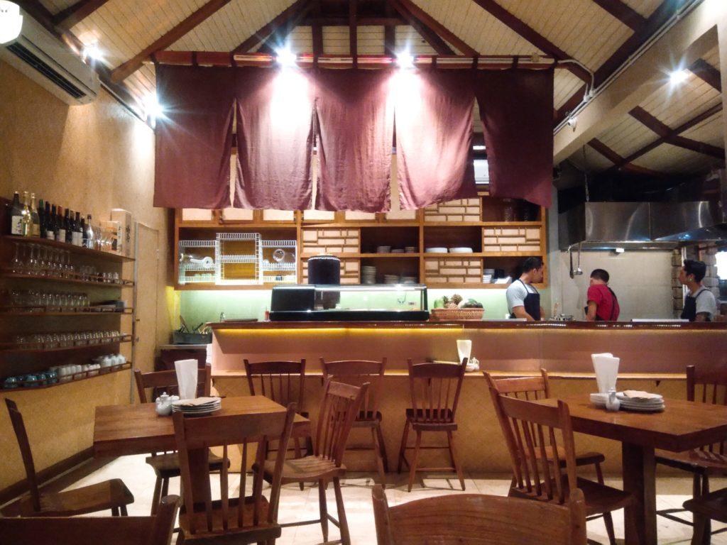 チャングーの居酒屋風日本食レストラン店内