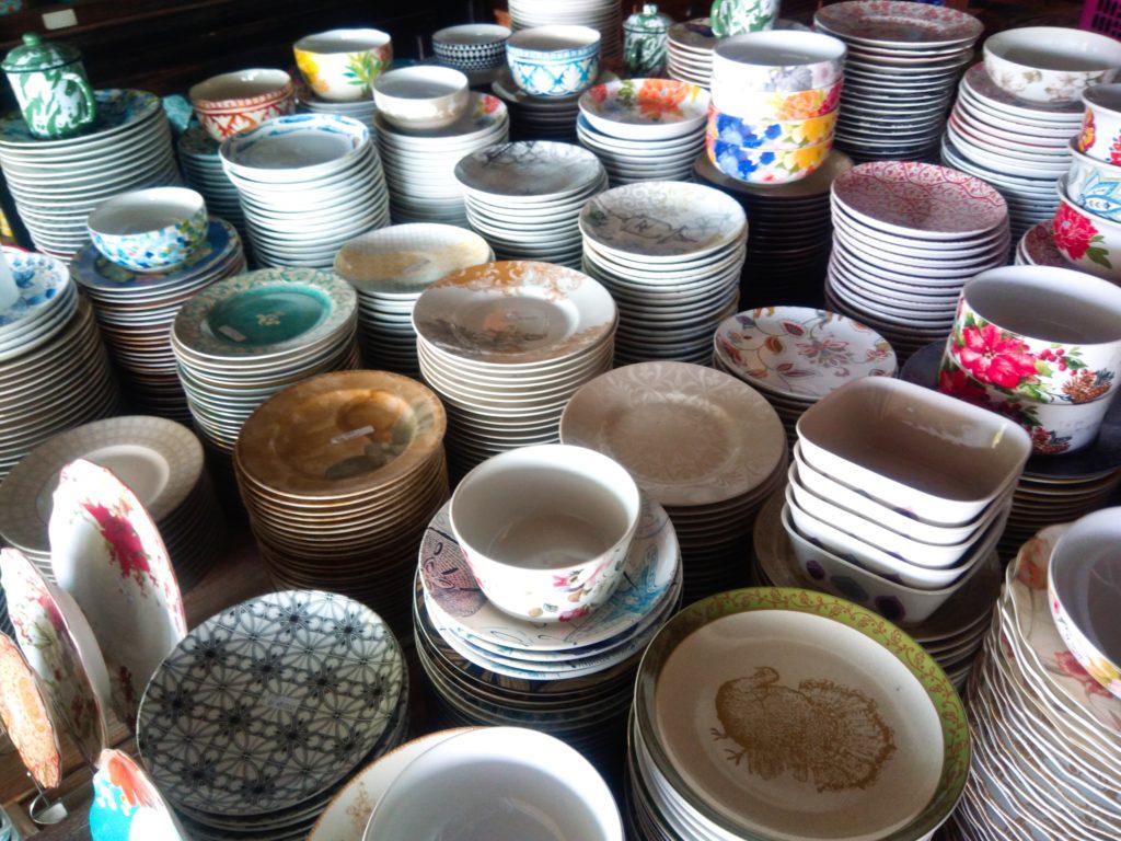 バリ島食器UD.NURIAH陶器