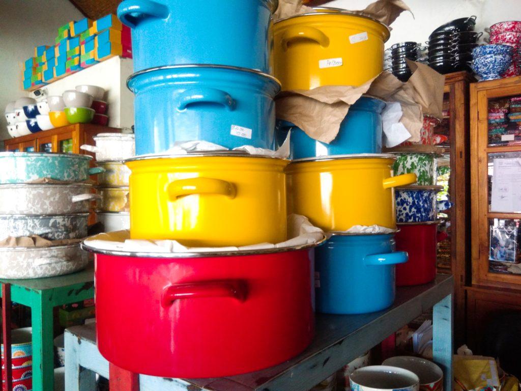 バリ島食器UD.NURIAHホーロー鍋