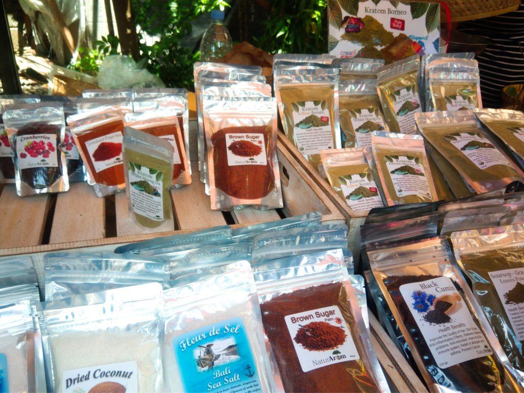 バリ島チャングーSamadiオーガニックサンデーマーケット、ケラトン