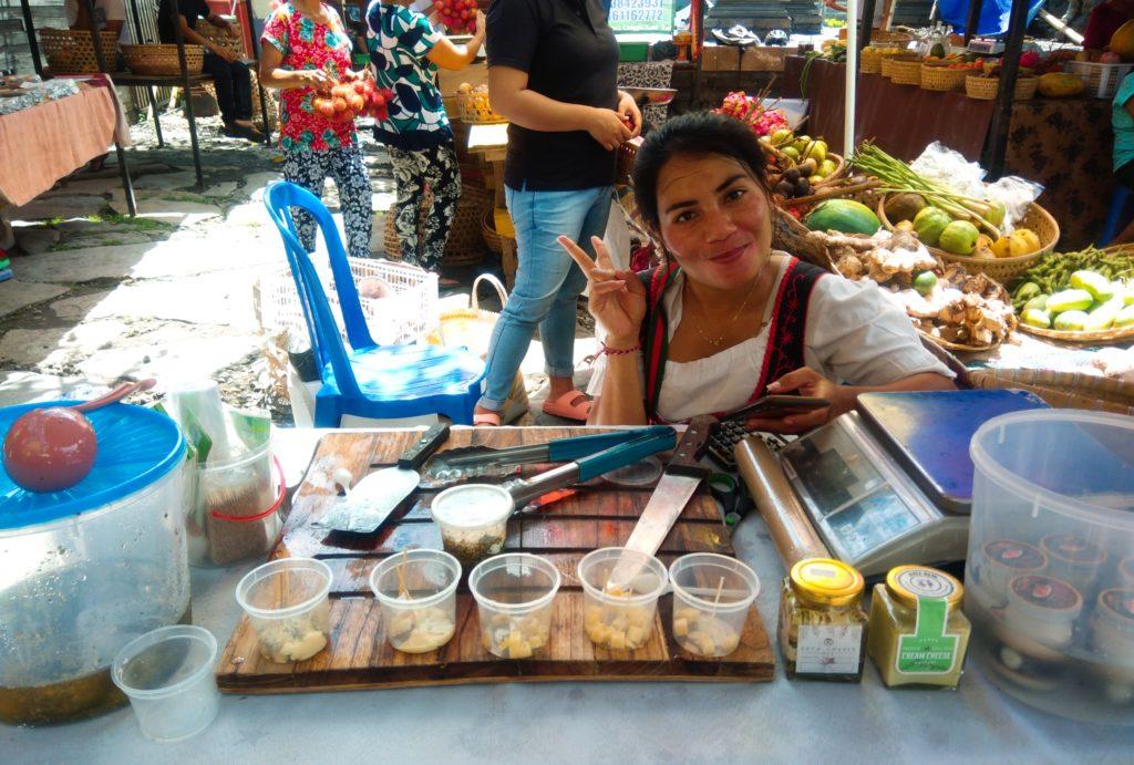 バリ島チャングーSamadiオーガニックサンデーマーケット、チーズ