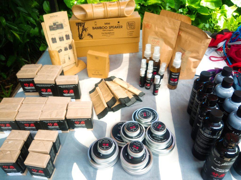 バリ島チャングーSamadiオーガニックサンデーマーケット、竹炭