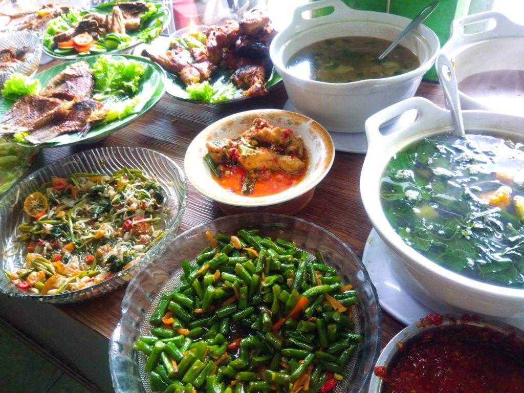 ナシチャンプルWarung Surya野菜スープ系