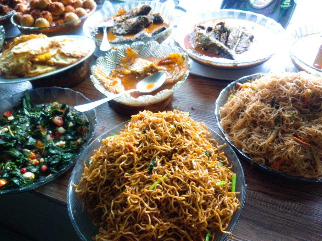 ナシチャンプルWarung Surya麺類