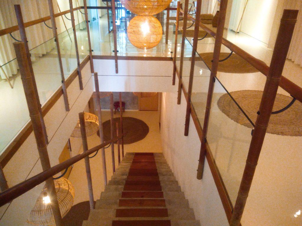 バリ島チャングースパESPACE階段