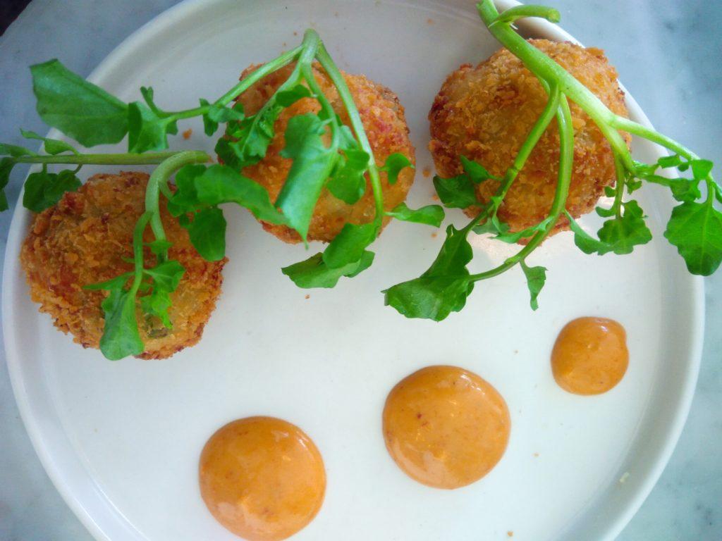 バリ島ウマラスのカフェ&レストランKembaliチーズコロッケ