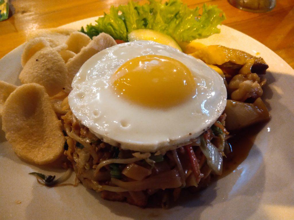 チャングー安くて美味しいレストランLa Pan Namミーゴレン