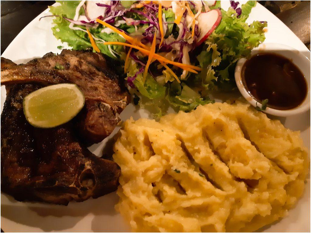 チャングーの安くて美味しいレストランLa Pan Namラムチョップ通常