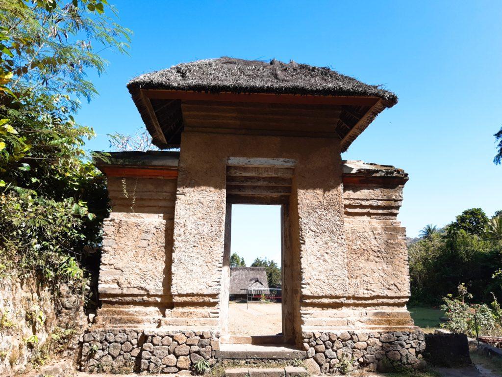 バリ島穴場の観光地バリ・アガの村トゥガナン村の内部