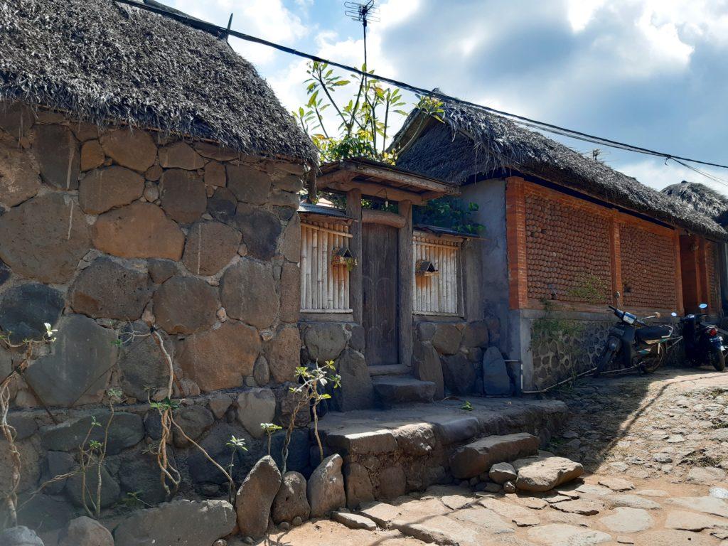 バリ島穴場の観光地バリ・アガの村トゥガナン村のお家1