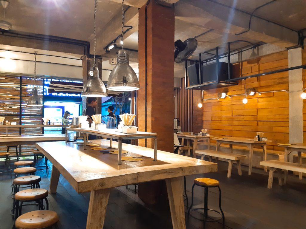 バリ島チャングーのラーメンレストラン浜虎店内風景