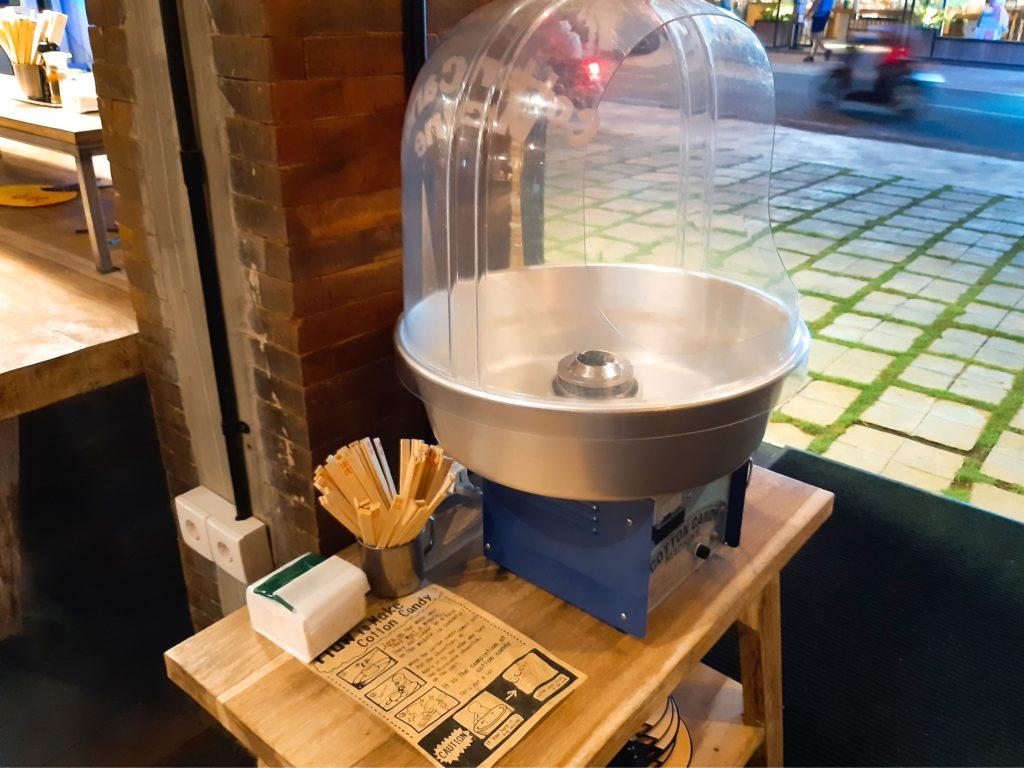 バリ島チャングーのラーメンレストラン浜虎の綿菓子