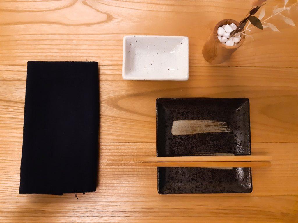 バリ島チャングー日本食、寿司レストランensoテーブルセット