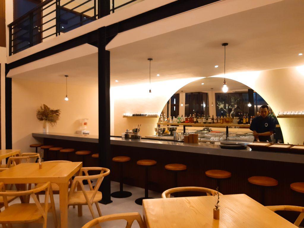 バリ島チャングー日本食、寿司レストランensoバー