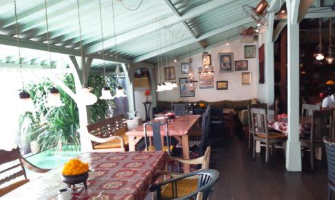 バリ島老舗のオシャレカフェ・レストラン「Cafe Bali」店内奥