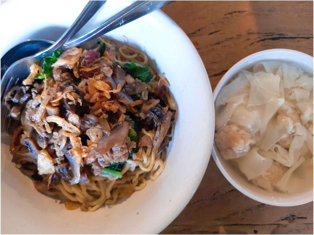 バリ島中華料理、Mie 88の中華麺