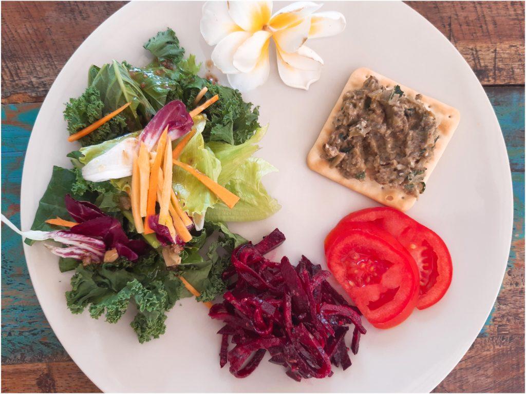 免疫力アップ!パパイヤの葉のサラダ