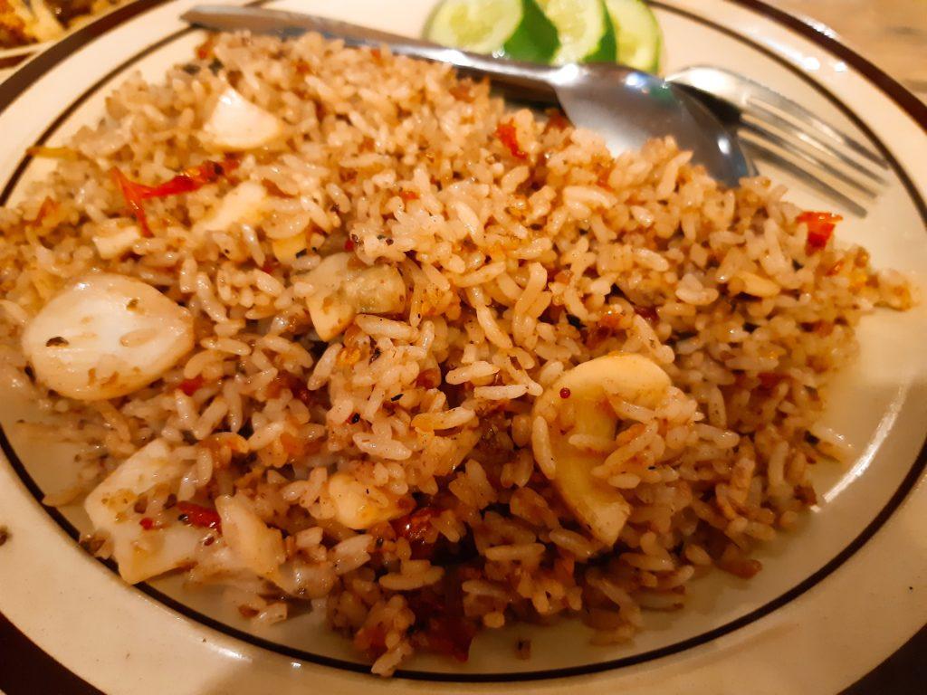 バリ料理Warung D'Tebaのイカナシゴレン