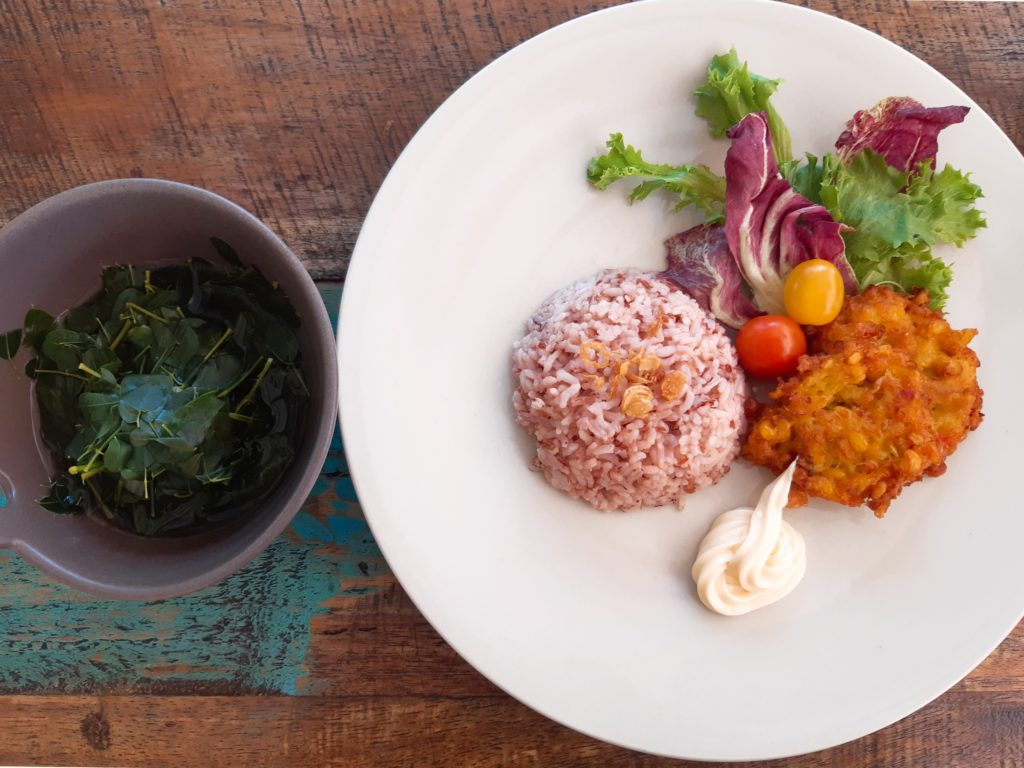 お家で簡単インドネシア料理!コーンフリッター実食