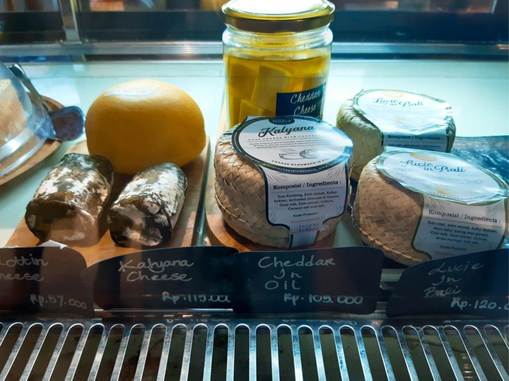 バリ島チャングーのオーガニックスーパー、クロタンチーズ