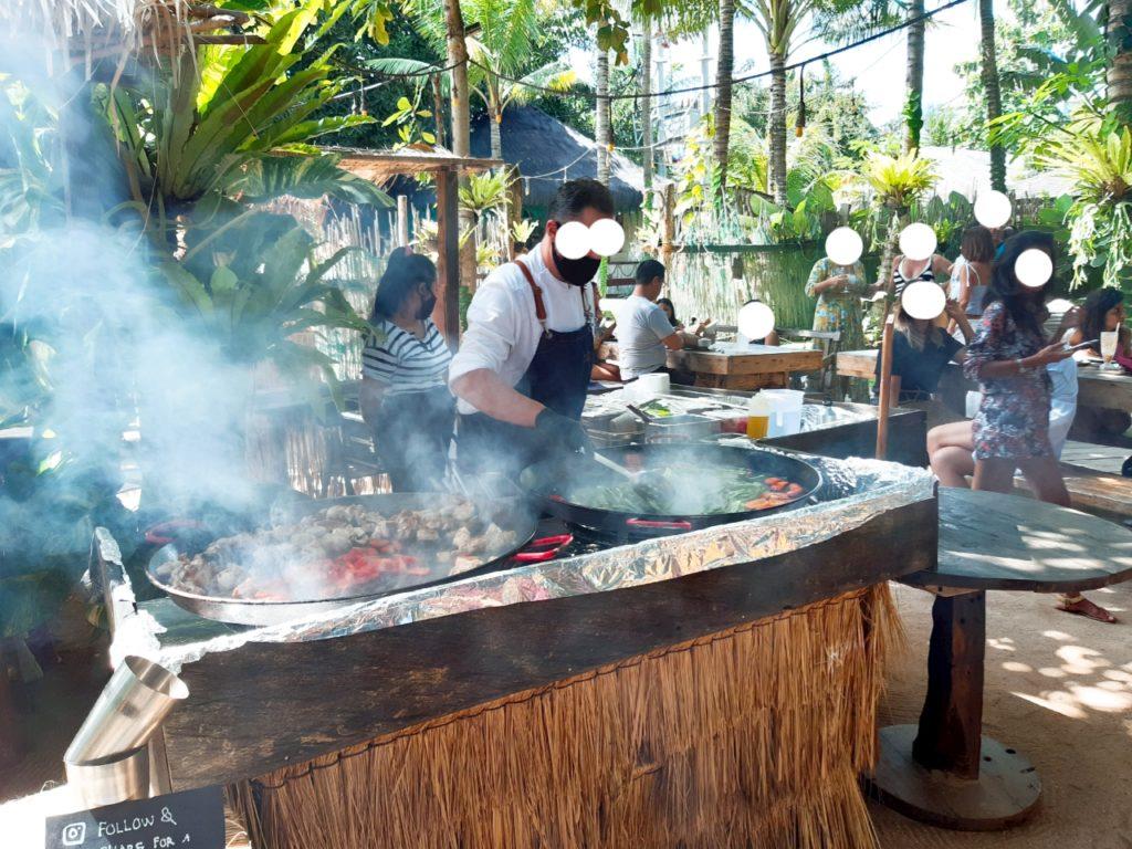 バリ島チャングーLa Brisaマーケットのパエリア