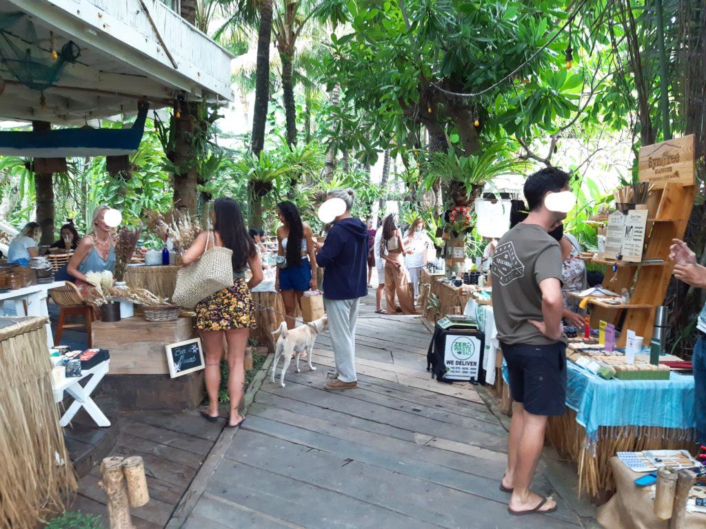 バリ島チャングービーチクラブLa Brisaマーケット通路