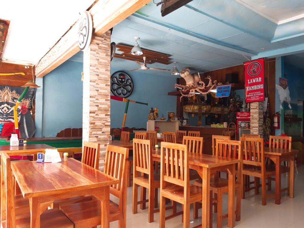 バリ料理タコのラワールのお店、店内