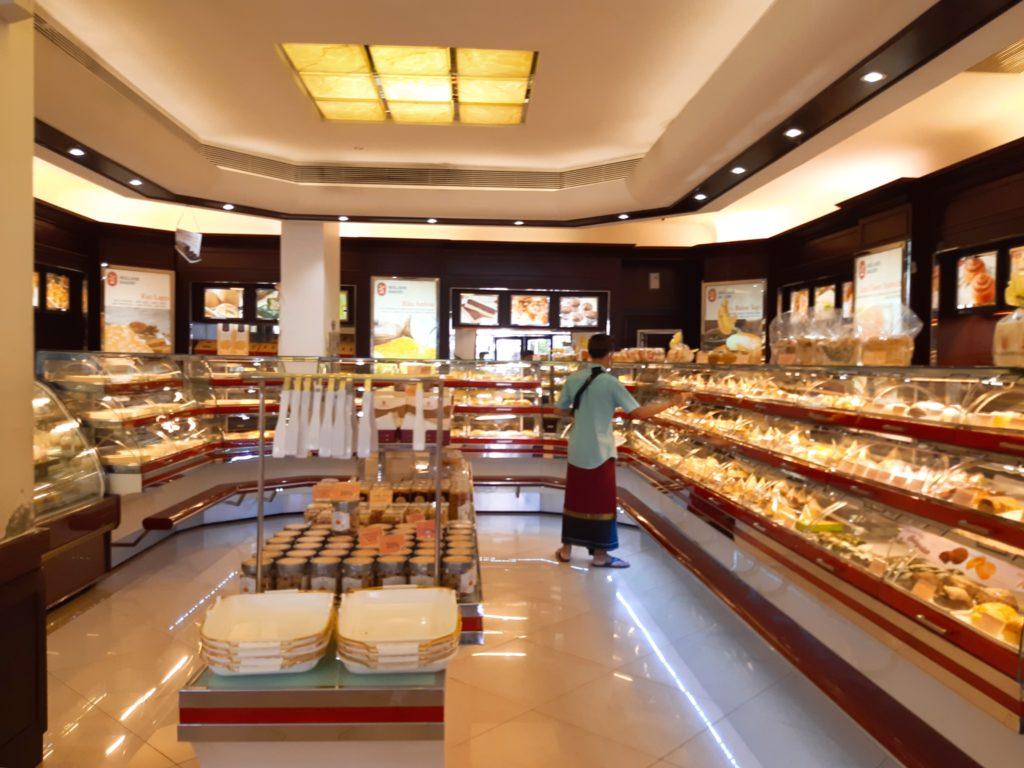 バリ島パン&ケーキ屋ホーランドベーカリー店内
