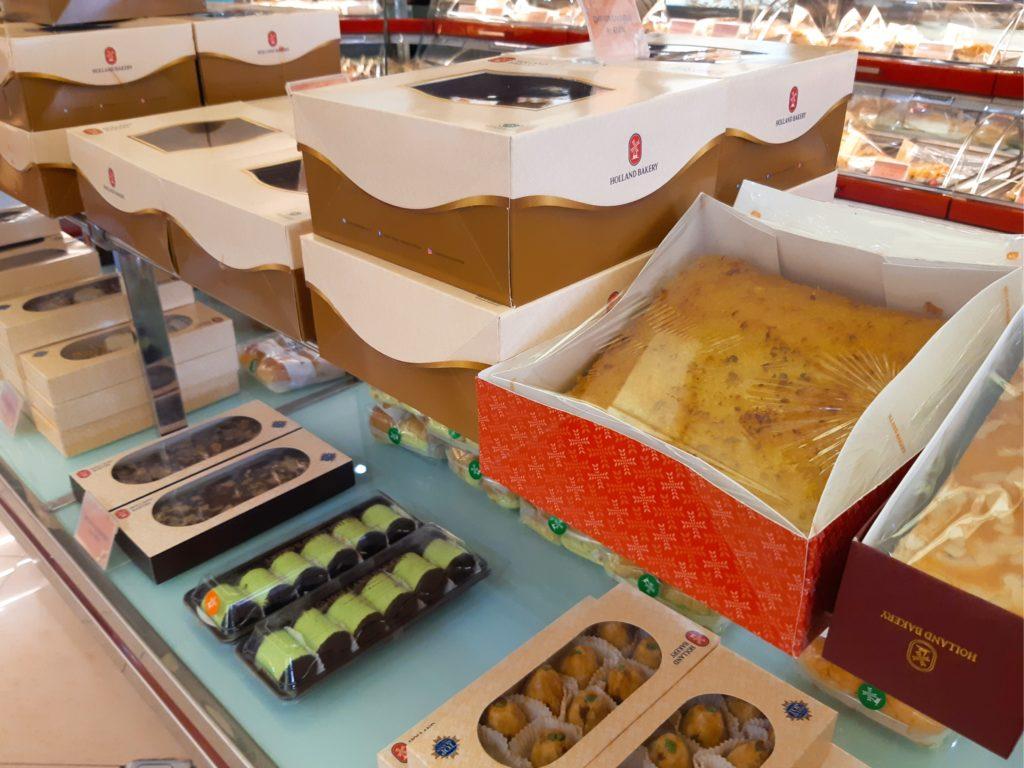 バリ島パン&ケーキ屋ホーランドベーカリー箱入りケーキ