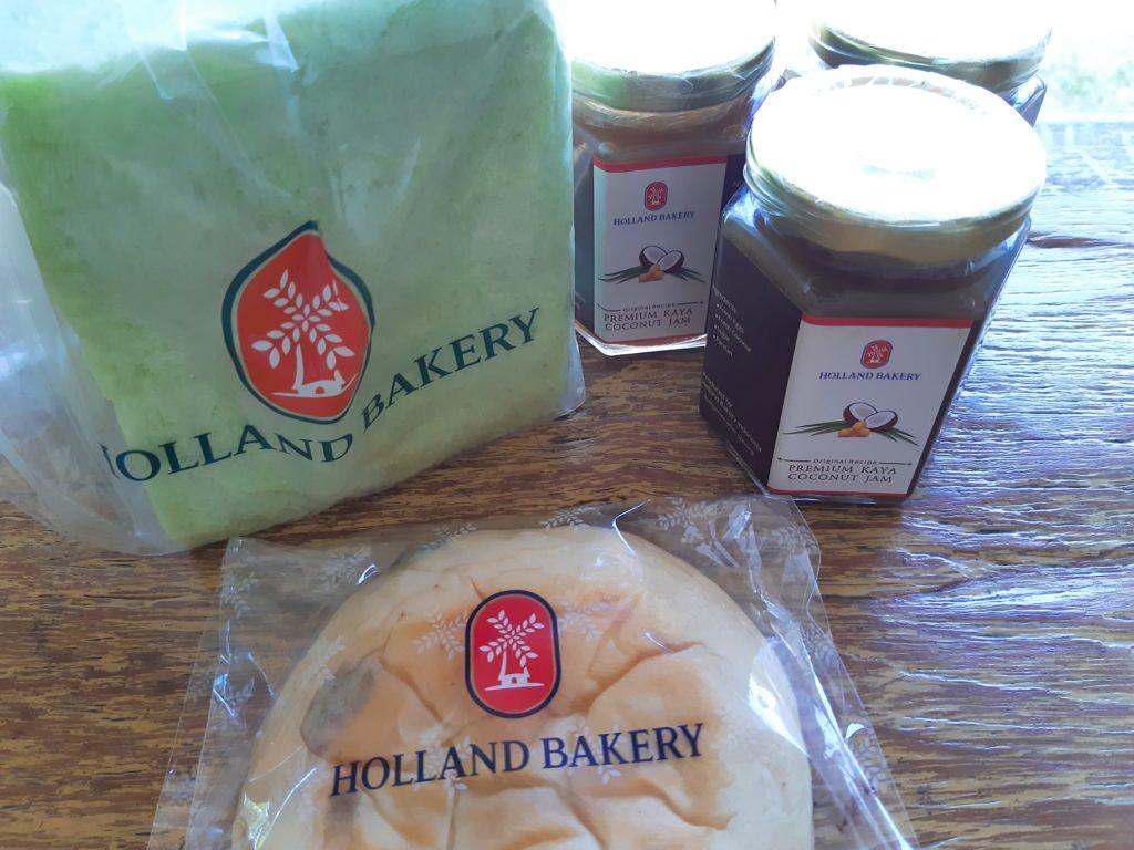 バリ島パン&ケーキ屋ホーランドベーカリーで買い物