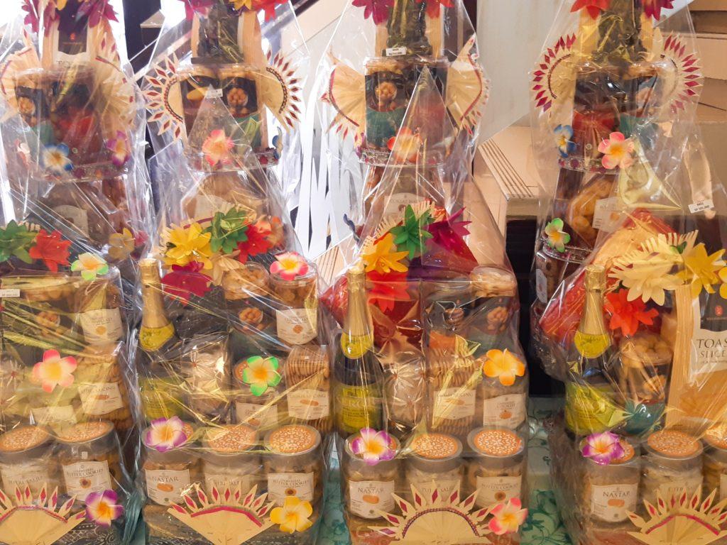 バリ島パン&ケーキ屋ホーランドベーカリーのクニンガンお菓子