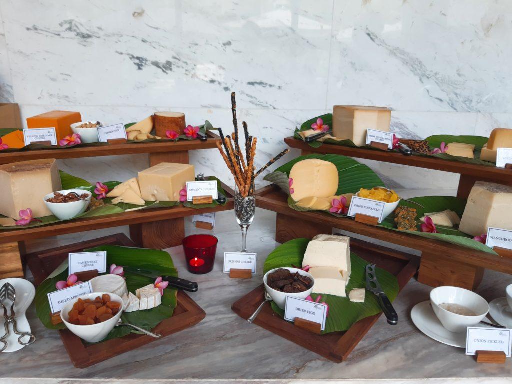 ケンピンスキーバリのブランチ、チーズコーナー