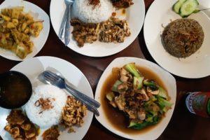 バリ島イカ料理ワルン「Warung Ajik」