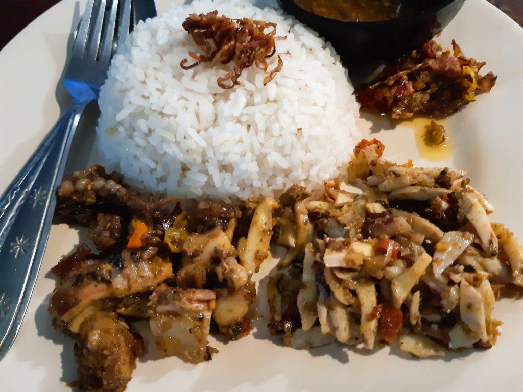 バリ島イカ料理ワルン「Warung Ajik」セット例