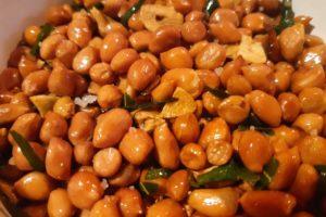 ビールのおつまみにオススメ!無限に食べられるインドネシア風揚げピーナッツ完成
